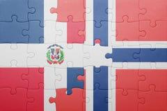 raadsel met de nationale vlag van de Dominicaanse republiek van Noorwegen en Royalty-vrije Stock Fotografie