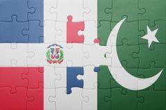 raadsel met de nationale vlag van de Dominicaanse republiek van Pakistan en Stock Afbeeldingen