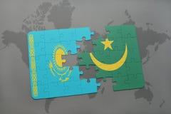 raadsel met de nationale vlag van Kazachstan en Mauretanië op een wereldkaart Stock Afbeeldingen