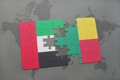 raadsel met de nationale vlag van verenigde Arabische emiraten en benin op een wereldkaart Royalty-vrije Stock Foto