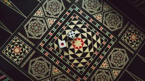 Raadsspel van backgammon, beenderen op de raad stock foto's