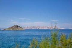 rab d'île de la Croatie de côte rocheux image libre de droits