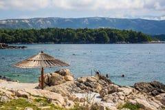 rab d'île de la Croatie de côte rocheux photographie stock libre de droits