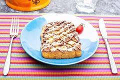Rabanada com creme de Maynnaise e de chocolate Fotografia de Stock