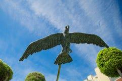 Rabat, Malta - 8. Mai 2017: Vogelskulptur nahe Victoria-BuchtBushaltestelle in Gozo-Insel Lizenzfreie Stockfotografie