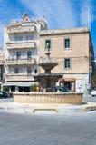 Rabat Malta - Maj 8, 2017: Springbrunn på St Francis Square på den Gozo ön i Malta Fotografering för Bildbyråer