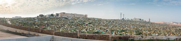 Rabat muslimkyrkogård Sikt från Kasbah av Udayasen morocco morocco rabat Norr Afrika Arkivfoto