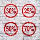 Rabat postacie dla sprzedaży 25% na ścianie z skutkiem pęknięcia, 30%, 50%, 70%, Zdjęcie Stock