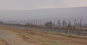 Rabatowy ogrodzenie między Izrael i Liban drut kolczasty i elektroniczny ogrodzenie