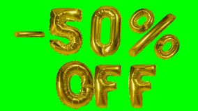 Rabatt 50 fünfzig Prozent weg von der goldenen Ballonverkaufsfahne, die auf grünes Schirmeinkaufsangebot schwimmt - stock video footage