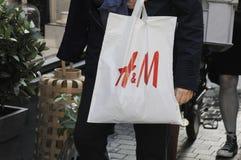 50% Rabatt ssla an H&M Lizenzfreie Stockbilder