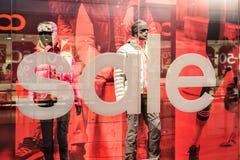 Rabatt-Verkäufe an Adidas-Speicher Lizenzfreies Stockfoto