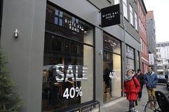 50% RABATT-VERKAUF AN IRGENDEINEM SHOP Stockfotos