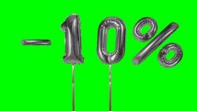 Rabatt 10 zehn Prozent weg von der silbernen Ballonverkaufsfahne, die auf gr?nes Schirmeinkaufsangebot schwimmt - stock video