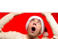 Rabatte des Weihnachtsverkaufs, neuen Jahres und Plakat Mann in Sankt c Lizenzfreie Stockfotos