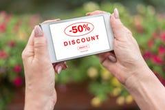 Rabattkonzept auf einem Smartphone Stockbild