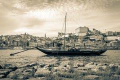 Rabelo fartyg i Porto, Portugal Royaltyfri Bild