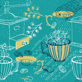 Rabiscar o fundo com o moinho, as flores e os pássaros de café, sem emenda Fotos de Stock Royalty Free