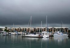 raby海湾的海滨广场 免版税库存照片