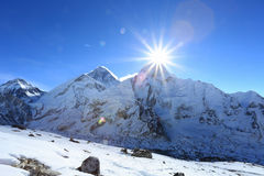 Raca nad nuptse szczytem beside Everest Obraz Royalty Free