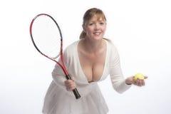 Racchetta e palla della tenuta del tennis Fotografie Stock