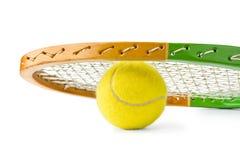 Racchetta e palla di tennis Fotografie Stock
