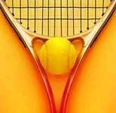 Racchetta e sfera di tennis Fotografia Stock