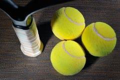 Racchetta e sfera di tennis Immagine Stock Libera da Diritti
