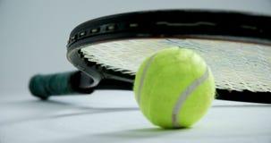 Racchetta su pallina da tennis 4k archivi video