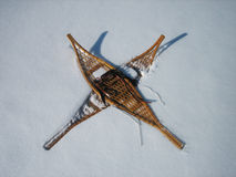 Racchette da neve in neve Immagine Stock Libera da Diritti