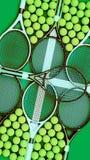 Racchette e palle di tennis Scuola di tennis verticale Fotografie Stock