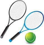 Racchette e sfera di tennis Immagini Stock
