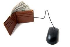 Raccoglitore in pieno di soldi con il mouse Immagini Stock