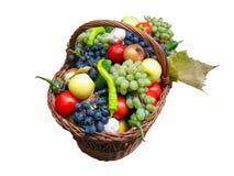 Raccolga le frutta e le verdure in una casella di legno Fotografia Stock Libera da Diritti