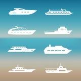 Raccolta bianca delle icone delle barche e della nave royalty illustrazione gratis