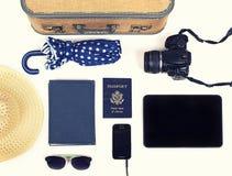 Raccolta degli oggetti di viaggio di vacanza Immagini Stock
