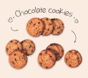 Raccolta dei biscotti deliziosi del cioccolato isolati sui precedenti beige Immagini Stock Libere da Diritti