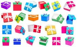 Raccolta dei contenitori di regalo isolata su fondo bianco Fotografia Stock