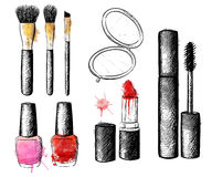 Raccolta dei cosmetici Insieme di modo di vettore Labbra grafiche disegnate a mano, occhio, talloni, mascara, rossetto, smalto Fotografie Stock Libere da Diritti