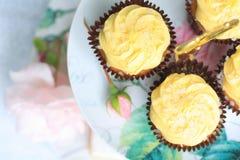 Raccolta dei dolci sul supporto d'annata del dolce Immagini Stock