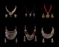 Raccolta dei neclaces del diamante con gli orecchini Fotografie Stock Libere da Diritti