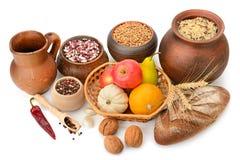 Raccolta dei prodotti: semi, frutti, verdure, isolato del pane Fotografia Stock Libera da Diritti