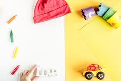Raccolta dei vestiti e dei giocattoli per il modello di vista superiore della stanza di bambino Immagini Stock