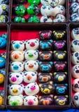 Raccolta del cioccolato da vendere nella stalla del mercato in Tailandia Fotografia Stock Libera da Diritti
