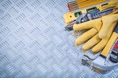 Raccolta del lev della costruzione dei guanti di sicurezza del cuoio del martello da carpentiere Fotografia Stock Libera da Diritti