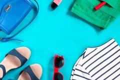 Raccolta dell'abbigliamento di estate di una donna di modo Fotografie Stock
