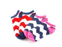 Raccolta dell'isolato colorato dei calzini su fondo bianco Fotografie Stock