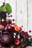 Raccolta della frutta e delle verdure porpora fresche Immagini Stock