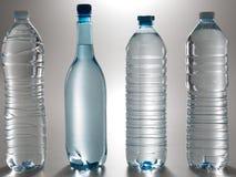 Raccolta delle bottiglie di acqua stabilite della plastica Fotografia Stock Libera da Diritti