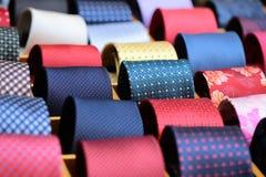 Raccolta delle cravatte da vendere Immagini Stock Libere da Diritti